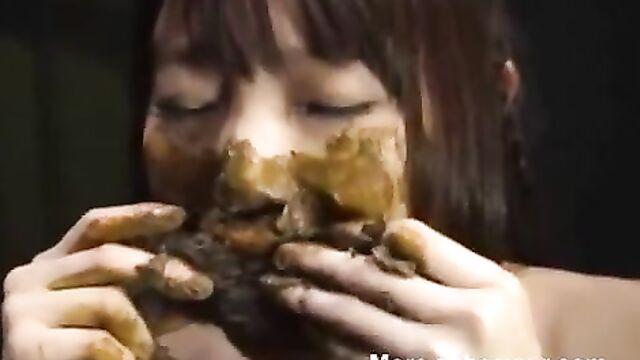 Japanese Teen Eating Shit