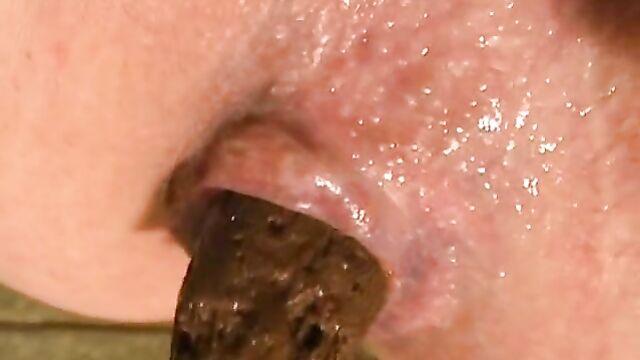Closeup piss and shit