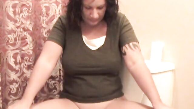 Mature lady pooping and showing her ass - Dirtyshack Free Sc
