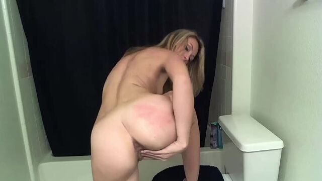 This Girl Is Way Too Hot for Scat 6