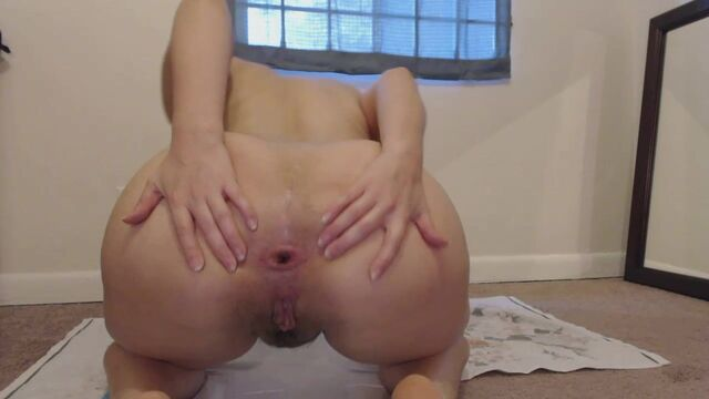 Lindzypoopgirl - Poopy Asshole & Prolapsed Play Time
