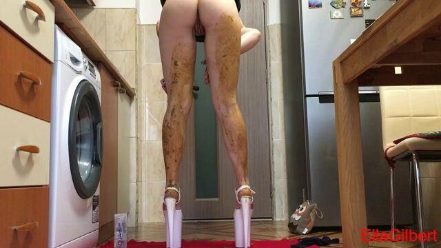 Extreme smearing in Extreme Heels - EllaGilbert